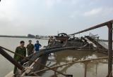 Hà Nam: Bắt quả tang tàu bơm hút cát trái phép trên sông Hồng