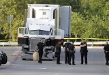 Mỹ: Phát hiện 8 xác chết trong xe tải