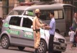 Hà Nội: CSGT ra quân xử lý taxi, xe khách vi phạm