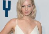 Ngôi sao Oscar - Jennifer Lawrence 'đốt cháy' thảm đỏ buổi ra mắt phim