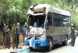 Thanh Hóa: Xe đi nạp tài va chạm xe chở mía, 6 người nhập viện