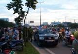 (Clip) Vi phạm giao thông, người phụ nữ còn văng tục chửi công an