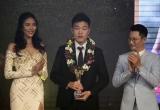 Xuân Trường giành giải cầu thủ yêu thích nhất, Văn Thanh giành giải cầu thủ trẻ xuất sắc nhất