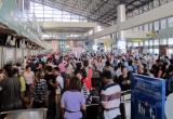Hành khách đi máy bay đến trước 3 giờ đồng hồ để hạn chế quá tải