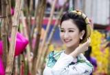 Á hậu Hà Thu xin chữ cầu bình an và thành công trong năm mới