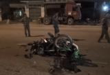 Bình Dương: Chạy ngược chiều bị xe máy tông nguy kịch