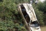 Tìm thấy thi thể tài xế cùng chiếc ô tô 7 chỗ dưới sông sau 2 ngày mất tích