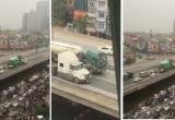 Hàng trăm tài xế bức xúc vì xe bồn và container dàn hàng, chạy 'siêu chậm' tại đường trên cao