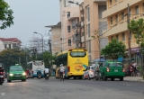 Huế: Bến xe tự phát lộng hành trên phố Đội Cung