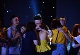 Sinh viên Báo chí khóc nghẹn trong đêm nhạc 'Phút cuối'