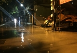 Hà Nội: Mưa lớn khiến nhiều tuyến đường ngập sâu