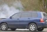 Cách thoát khỏi chiếc xe bị nhiễm điện