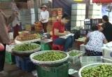 Tràn lan hoa quả Trung Quốc gắn mác Việt