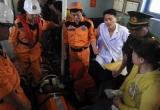 Xuyên đêm cấp cứu 2 thuyền viên gặp nạn trên ngư trường Hoàng Sa