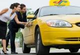 Chỉ đạo xử lí nghiêm vụ khách nước ngoài đi taxi vài cây số bị chặt chém tới... gần triệu đồng