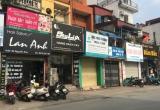 """Kinh doanh """"bát nháo"""" ở phố hàng xách tay Nguyễn Sơn: Cơ quan chức năng vào cuộc chưa quyết liệt?"""