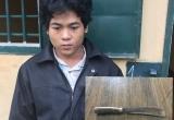 """Quảng Bình: Trai làng chặn đường """"xử"""" bạn bằng 1 nhát dao vào cổ"""