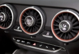 Vì sao vẫn nên bật điều hòa trên ô tô vào mùa đông?