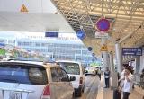 Slide - Điểm tin thị trường: Bộ Giao thông 'lại' đồng ý tiếp tục thu phí ô tô vào sân bay
