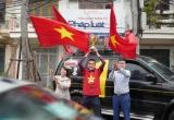 'Cờ hoa ngập trời' sẵn sàng cổ vũ đội tuyển Việt Nam trước trận chung kết