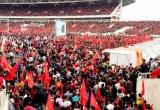 Hơn 70.000 người hâm mộ nhuộm đỏ sân vận động Mỹ Đình