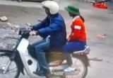 """Hà Nam: Lộ diện người đàn ông lạ nghi """"bắt cóc"""" bé gái bán bóng bay"""