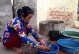 Mẹ ca sĩ Châu Việt Cường nghẹn ngào khi nghe tin con bị bắt