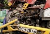 Kinh hoàng ôtô cứu hộ ủi bay xe tải, húc vào nhà dân khiến 3 người nhập viện