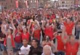 Cổ động viên Bỉ 'nổ tung' vì chiến thắng trước Brazil