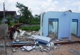 Nghệ An: Tường nhà đổ sập khiến 2 người tử vong