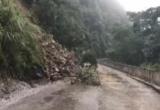 Sạt lở nghiêm trọng Quốc lộ 8A ở Hà Tĩnh do mưa lớn kéo dài