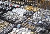 Tiêu dùng 72h: Đồng hồ giả bày bán tràn lan, lực lượng chức năng 'không dám phát ngôn'!