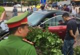 Hà Nội: Xe ôtô Mazda 3 điên cuồng lạng lách đánh võng gây tai nạn