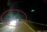 """Clip """"hoảng hồn"""" với pha đi ngược chiều của xe tải trên đường cao tốc Hà Nội - Lào Cai"""