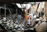 Hình ảnh hàng hóa bị thiêu rụi trong vụ cháy kinh hoàng gần chợ Vinh