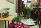 Kiểm tra phát hiện cơ sở chuyên sản xuất bột giặt OMO giả