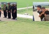 Toàn cảnh vụ hàng trăm cảnh sát vây bắt nhóm đối tượng nghi chở ma túy, dùng súng cố thủ trong xe bán tải