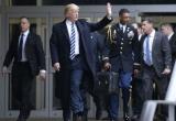 Bí ẩn chiếc vali hạt nhân bên cạnh tổng thống Mỹ