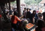 Hà Nội: Hàng nghìn người tới Văn Miếu xin chữ đầu năm