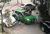Hà Nội: Đỗ xe ngang ngược, giở thói côn đồ đánh người chảy máu
