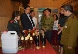 Hà Nội: Tiếp tục thu giữ và tiêu hủy hơn 5300 lít rượu không rõ nguồn gốc