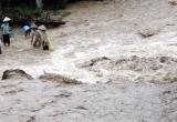Dự báo thời tiết ngày 10/10: Ảnh hưởng của hoàn lưu áp thấp nhiệt đới Trung Bộ có mưa lớn