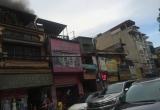 Hà Nội: Người dân hốt hoảng với cháy lớn tại cửa hàng thời trang trong giờ cao điểm