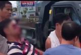 Yên Bái: Bị ném gạch xuyên kính xe, một người bị thương nặng