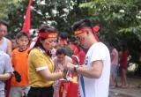 Hàng ngàn cổ động viên đến sân vận động Quốc gia Mỹ Đình để chào đón các tuyển thủ Việt Nam