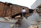 Xây nhà mình, nứt nhà hàng xóm có phải bồi thường thiệt hại?