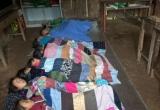 Điện Biên: Thương cảm học sinh miền núi co ro trong giá lạnh