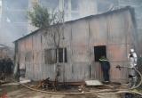 Chùm ảnh: Cháy dữ dội tại lán công nhân ở Mỹ Đình