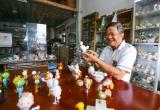 Thầy giáo về hưu ở Sài Gòn cùng với những bộ vỏ trứng được sưu tập