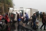 Tai nạn giao thông Plus: Xe container lật giữa đường, đè chết 2 người